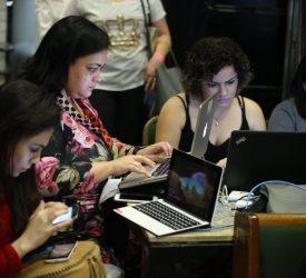 Equipe da cobertura online.   Foto: Paulo Campos.