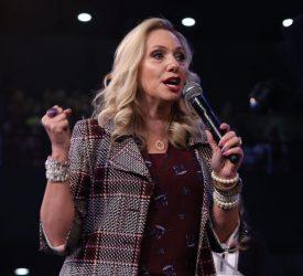 Pastora Trina Lozano  [Comunicação Diante do Trono]